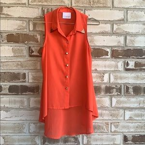Coveted Clothing • Hi Lo Sleeveless Blouse Sz S